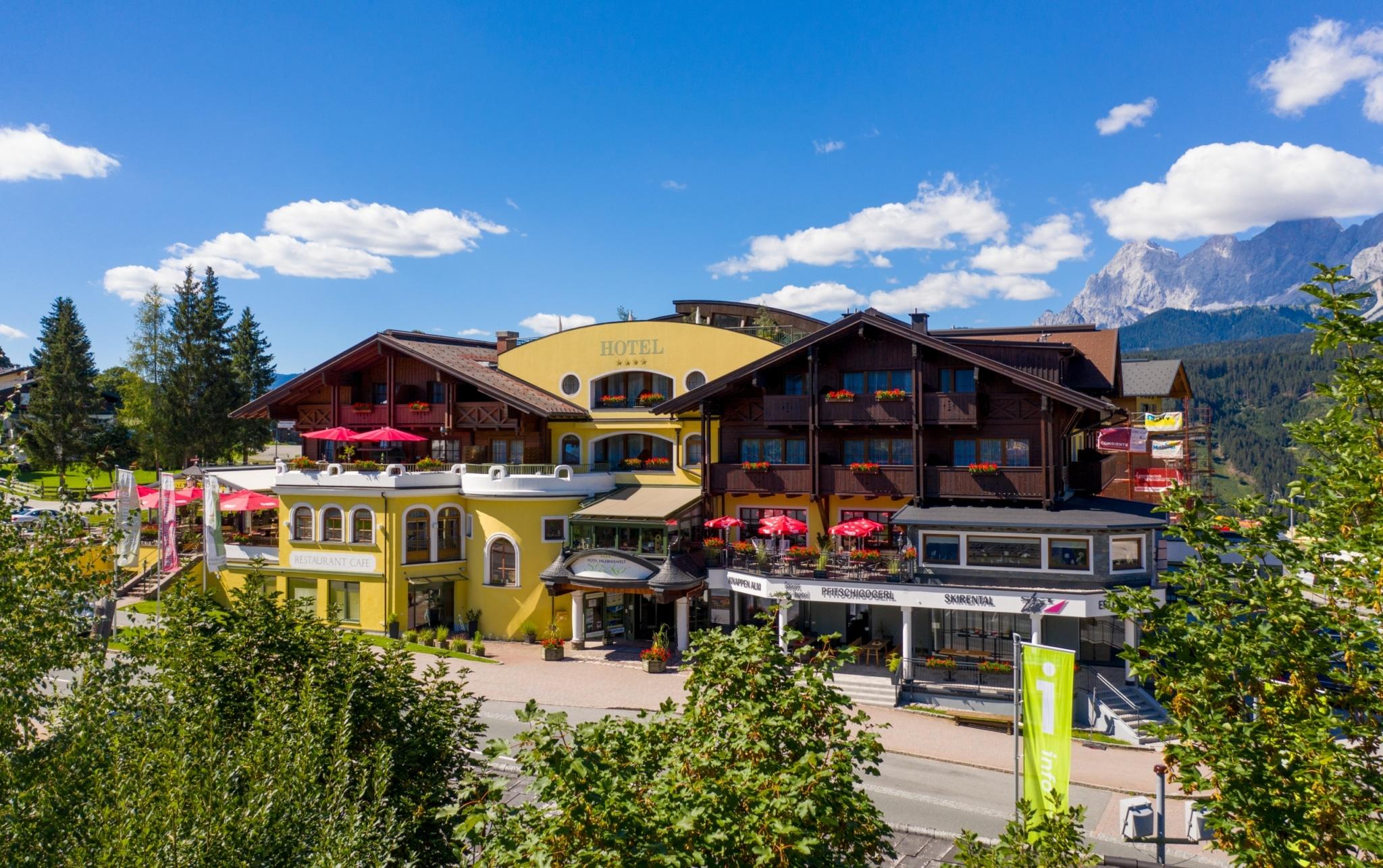 Sommerbild des Hotels